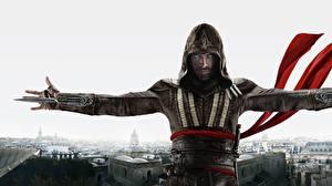 Картинки Мужчины Воители Майкл Фассбендер Капюшон Assassins Creed кино
