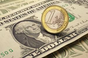 Фото Деньги Банкноты Доллары Евро Монеты 1