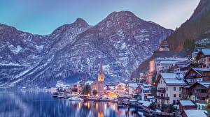 Картинки Горы Побережье Дома Зима Халльштатт Озеро Австрия Альпы Города