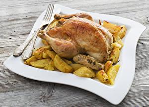 Обои Курица запеченная Картофель Вилка Еда фото