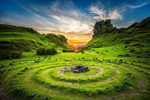 Обои Пейзаж Рассветы и закаты Небо Камни Трава Круги Природа фото