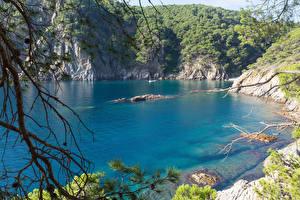 Обои Испания Озеро Леса Скала Selva Catalonia Природа фото