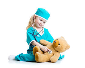 Картинка Мишки Белом фоне Девочка Шапки Медсестры ребёнок