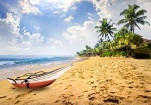 Обои Тропики Побережье Лодки Небо Песок Пальмы Облака Пляж Природа фото