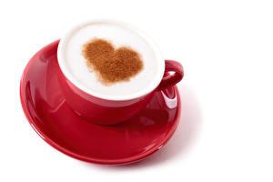 Обои День святого Валентина Кофе Капучино Белый фон Чашка Сердце Пена Красный Блюдце Еда фото