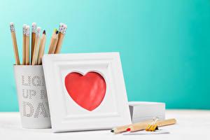 Картинки День святого Валентина Сердце Карандаши