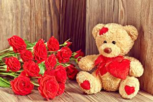 Фотографии День всех влюблённых Розы Мишки Доски Красный Сердечко Цветы