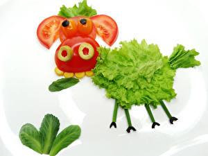 Обои Овощи Корова Помидоры Креатив Белый фон Дизайн Еда фото