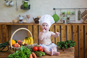 Фото Овощи Фрукты Доски Младенца Повар Шапка ребёнок Еда