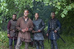 Фотография Викинги (телесериал) Воители Alexander Ludwig, Travis Fimmel, Ragnar Lothbrok Фильмы