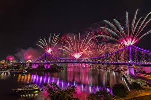 Фотографии Австралия Дома Реки Мост Фейерверк Брисбен Ночные город