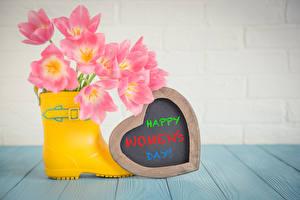Фотографии Праздники Международный женский день Тюльпан Доски Серце Сапог Инглийские цветок