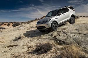 Фотографии Land Rover Серебристый 2017 Discovery HSE Worldwide Автомобили