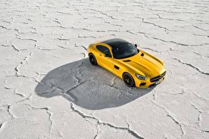 Фотографии Mercedes-Benz Желтый Сверху 2014-17 AMG GT S Worldwide Автомобили