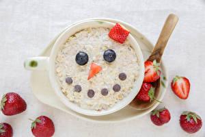 Картинки Мюсли Клубника Смайлы Чашка Дизайн Завтрак Пища