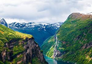 Фотография Норвегия Горы Мох Каньон Geiranger Fjord Природа