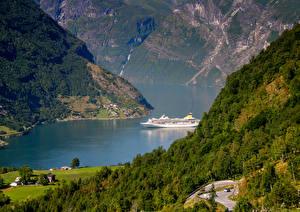 Картинка Норвегия Речка Леса Корабли Geiranger Fjord Природа