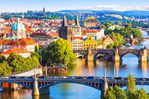 Картинки Прага Чехия Здания Речка Мост Карлов мост Города