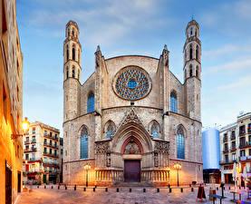 Фотографии Испания Храмы Вечер Церковь Барселона Уличные фонари Santa Maria del Mar church