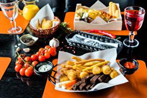 Обои Накрытия стола Томаты Быстрое питание Рюмки Продукты питания