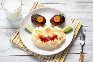 Обои Вторые блюда Мясные продукты Молоко Доски Тарелка Стакан Дизайн Еда фото
