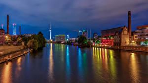 Фото Берлин Германия Дома Реки Причалы Водный канал Ночь Города