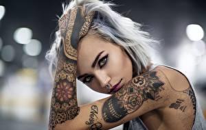 Фотография Руки Татуировки Взгляд Пирсинг Девушки