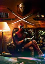 Фотография Герои комиксов Deadpool герой Книга Сидящие Диван С саблей Читает