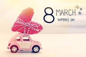 Картинка Праздники 8 марта Цветной фон Сердечко Английский машина