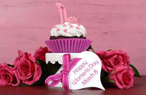 Фотографии Праздники 8 марта Розы Пирожное Капкейк кекс Бантик Английский Сердце Цветы