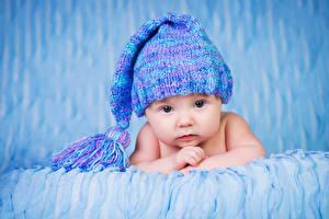 Картинка Младенцы Шапки Взгляд Дети