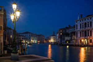 Фотографии Италия Дома Венеция Водный канал Ночные Уличные фонари