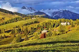 Картинка Италия Горы Луга Дома Пейзаж Пар Деревья Bellavista