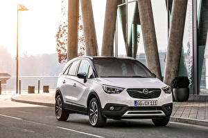 Картинки Opel Белый Металлик 2017 Crossland X Turbo Автомобили