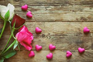 Картинки Розы Доски Сердце Цветы