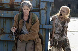 Фотография Ходячие мертвецы Зомби Melissa McBride, Season 6 Carol