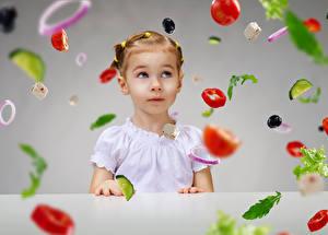 Картинки Овощи Девочки Взгляд Дети