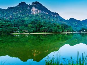 Фото Вьетнам Горы Озеро Деревья Отражение Природа