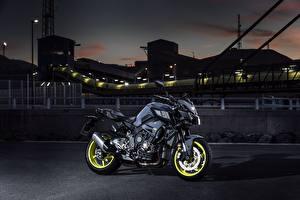 Картинки Yamaha Ночь Сбоку 2016-17 MT-10 Мотоциклы