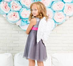 Картинка Ангелы Стена Девочки Крылья Взгляд Платье Дети