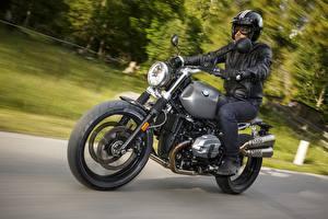 Фотографии БМВ Мотоциклист Движение Шлем 2015-16 R nineT Scrambler