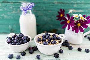 Картинка Черника Молоко Космея Завтрак Бутылка Еда