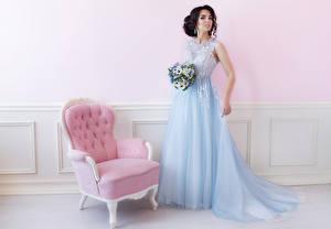 Фото Букет Шатенки Платье Кресло молодые женщины