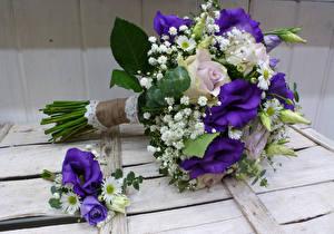Фотографии Букеты Розы Эустома Доски Цветы