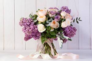 Фотографии Букеты Розы Сирень Цветы