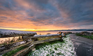Фотографии Канада Побережье Рассветы и закаты Небо Забор Снег British Columbia Природа