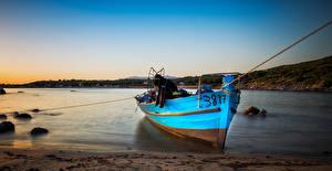 Картинка Берег Вечер Лодки Речка