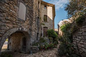 Картинка Франция Дома Лестница Кусты Каменные Oppede Provence
