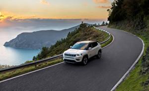 Фотографии Jeep Дороги Белый Скорость 2017 Compass Limited Автомобили