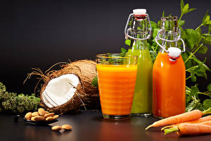 Фотография Сок Кокосы Морковь Орехи Бутылка Стакан Еда